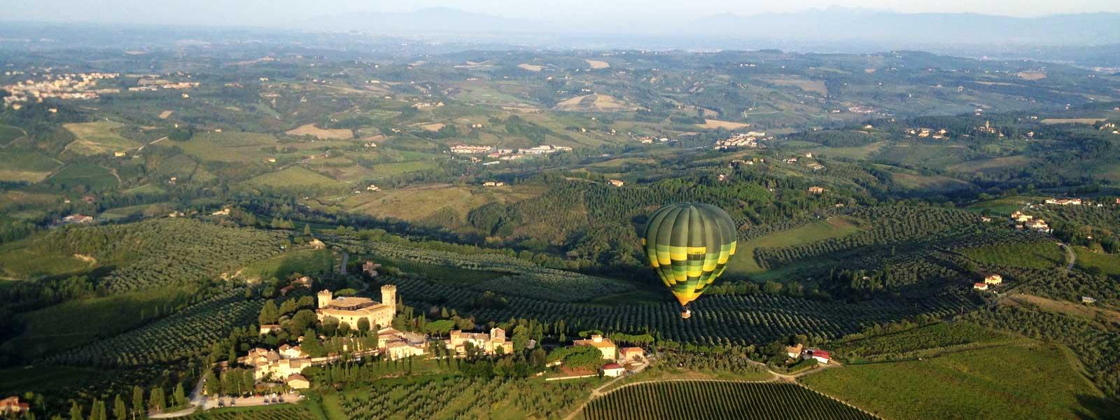 Castello-di-Poppiano-mongolfiere