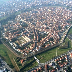 Lucca-mongolfiere-sulla-città