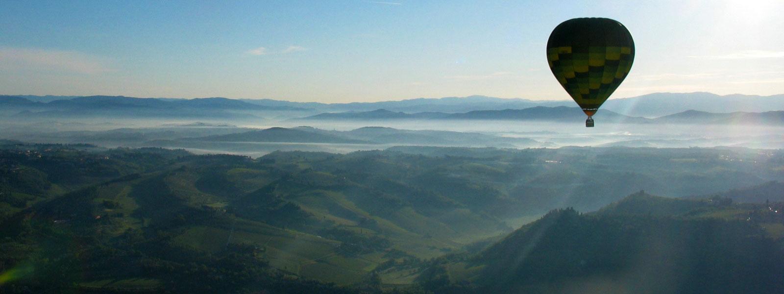 mongolfiere-in-volo-lamattina-presto-castello-di-bibbione