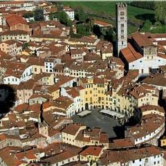 Lucca-dall'alto