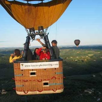 volo-in-mongolfiera-sulle-colline-del-chianti